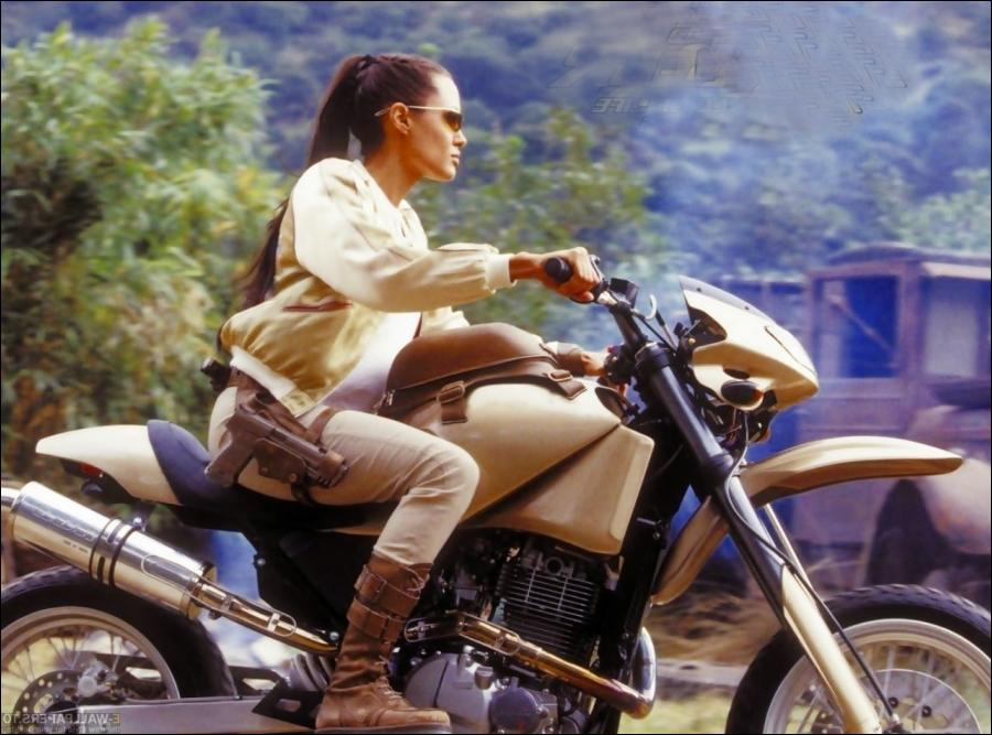 Tomb raider movie motorbike